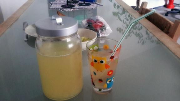 Rezept: Homemade Lemonade - einmalwunderland  Rezept: Homemad...